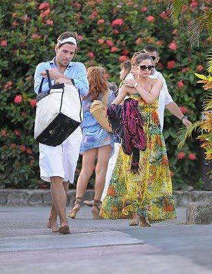 e4681fd406 Olivia Palermo Beach style