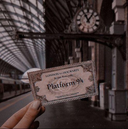 I Wish I Was At Hogwarts On Spotify Harry Potter Pictures Harry Potter Images Harry Potter Wallpaper