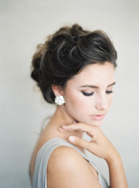 Photography : Jen Huang | Hair   Makeup : Chiali Meng Read More on SMP: http://www.stylemepretty.com/2016/08/28/romantic-glamorous-bridal-wedding-hair-makeup/