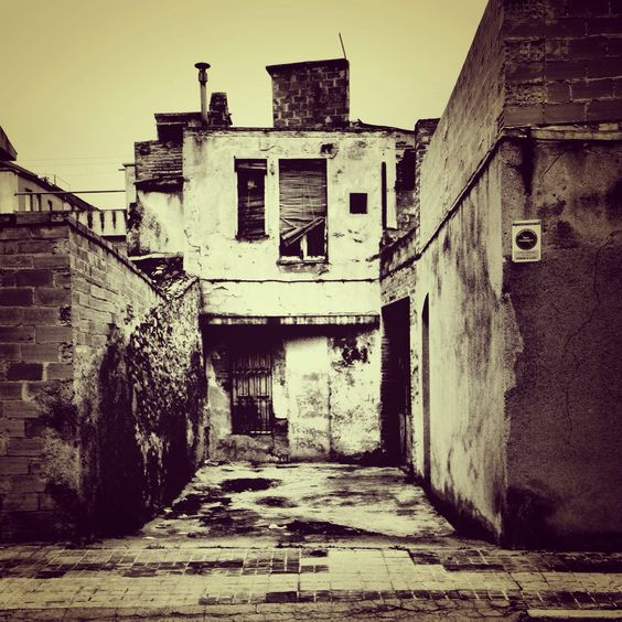 #abandonados #bcn #adanna