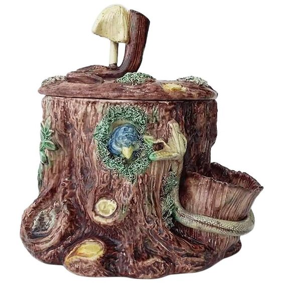19th Century Majolica Palissy Tobacco Jar Thomas Sergent | See more antique and modern Snuff Boxes and Tobacco Boxes at https://www.1stdibs.com/furniture/decorative-objects/boxes/snuff-boxes