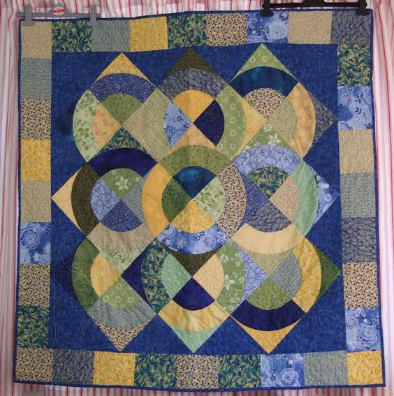 Love the quilt and patterns here, but wish there was a tutorial on how to do it.