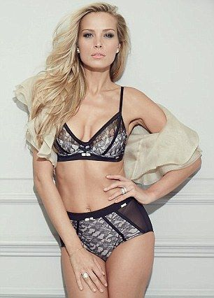 Ultimo have released an unairbrushed picture of Petra Nemcova to show how flawless the mod...
