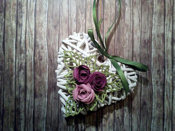 Herz mit der Spiralblüte und Rosenzauber in Zarte Pflaume, Himbeerrot und Olivgrün