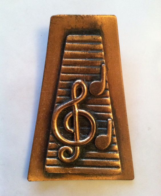 Vintage c.1950s copper treble clef musical brooch pin