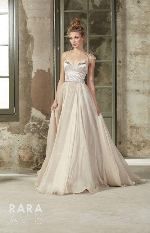Wedding Gown Rara Avis Deia Luxx Nova Floaty Wedding Dress Beach Wedding Dress Amazing Wedding Dress