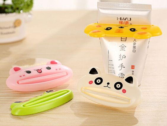 free shipping, 6pcs/lot Squeeze toothpaste device creative cute cartoon animal manual facial cleanser with toothpaste clip