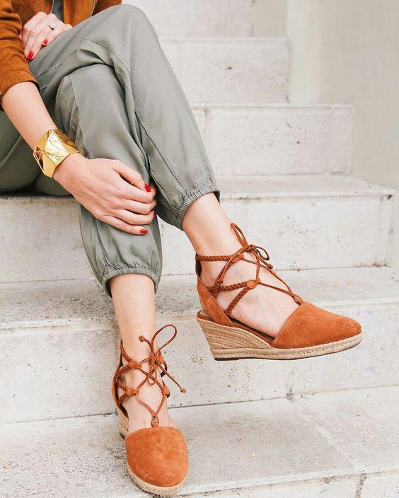 Detalhe,elastico perna calca