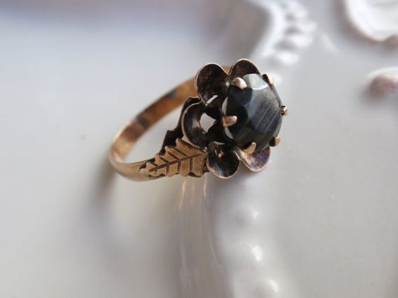 Victorian Mourning Ring 10k black hematite by LuceesTreasureChest:
