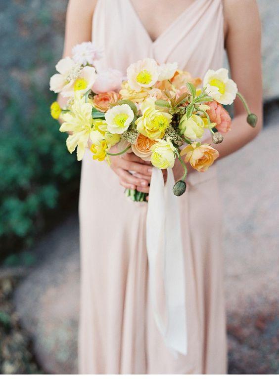 Desert Bridal Shoot by Without Wax, Katy, photo: Jenna McElroy