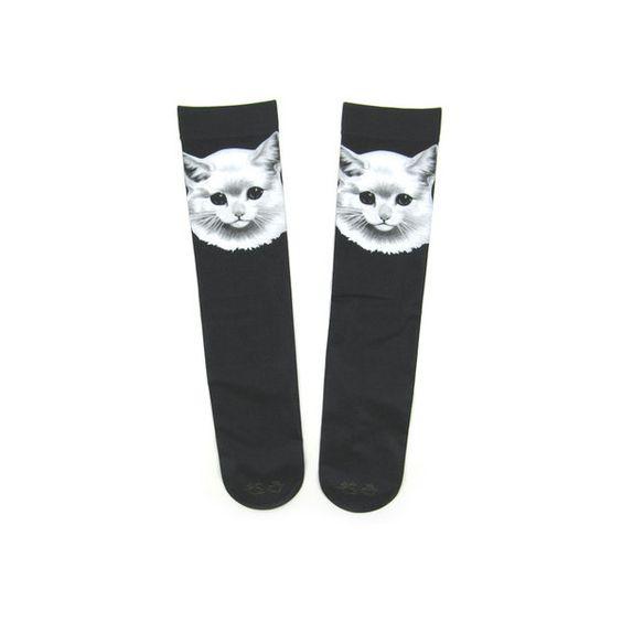 あちゃちゅむ ねこオーバーニーハイソックス Sumally ❤ liked on Polyvore featuring socks