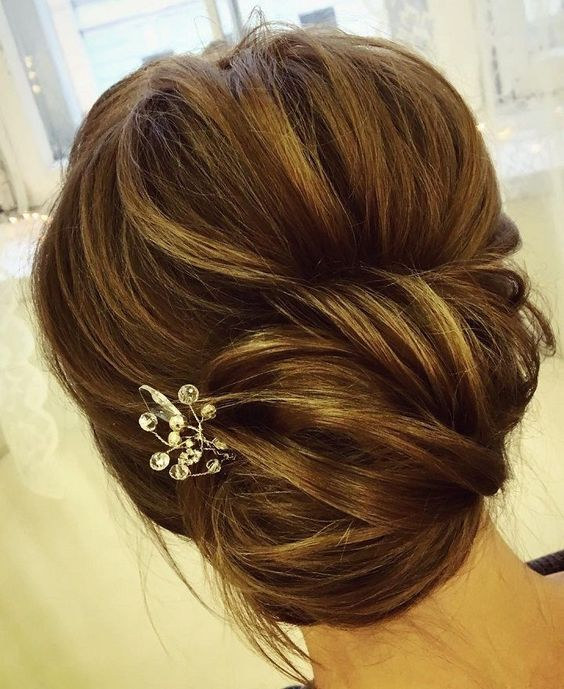 Chic Twist Wedding Updo Hairstyle E Weddinghair Updos Bridalupdos