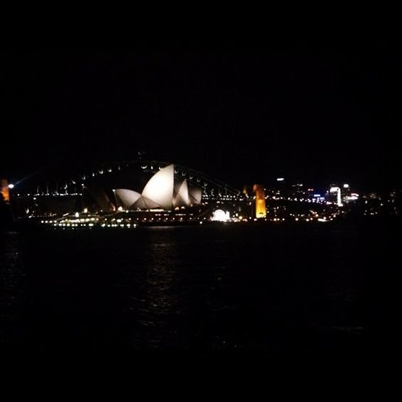 Aaahhhh Sydney you never cease to amaze me by laneey http://ift.tt/1NRMbNv