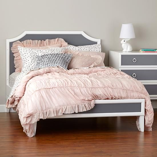 pretty frilled and pleated shams the land of nod 30 each 27 queen bedroom pinterest. Black Bedroom Furniture Sets. Home Design Ideas