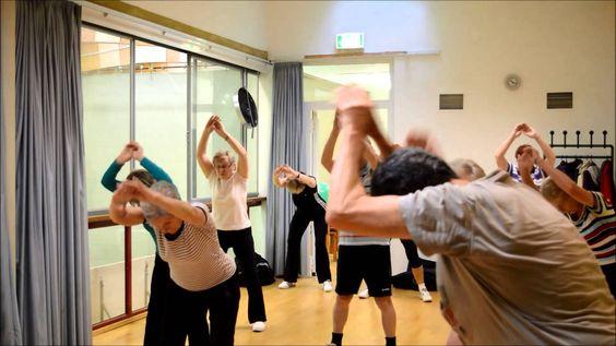 Seniorengymnastik ohne Hilfsmittel