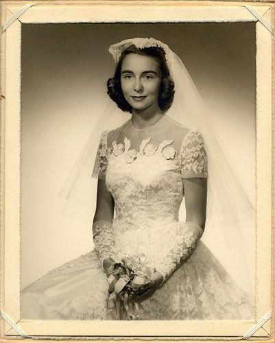 Chronically Vintage: Twenty 1940s and 50s real world wedding photos: