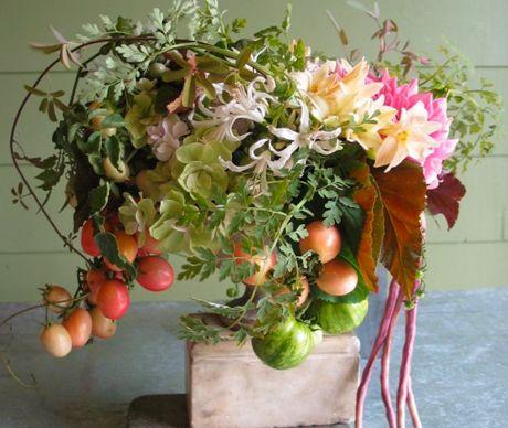 Ariella Chezar designs: #centerpiece #wild #natural: http://ariellaflowers.com/