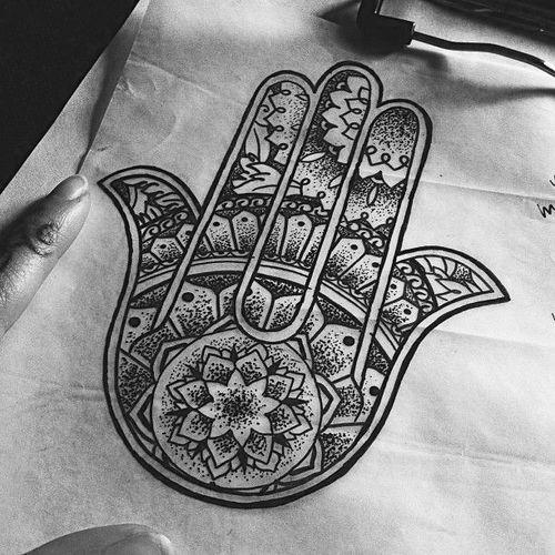 Dessin qui fait toute la main tattoo pinterest main - Coloriage main de fatma ...
