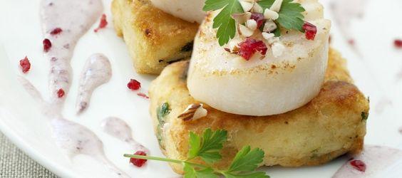 Noix de Saint Jacques sauce Cranberry, palets pommes de terre et épinards - Les recettes pour les repas de fête - Elle & Vire - L'atelier de...