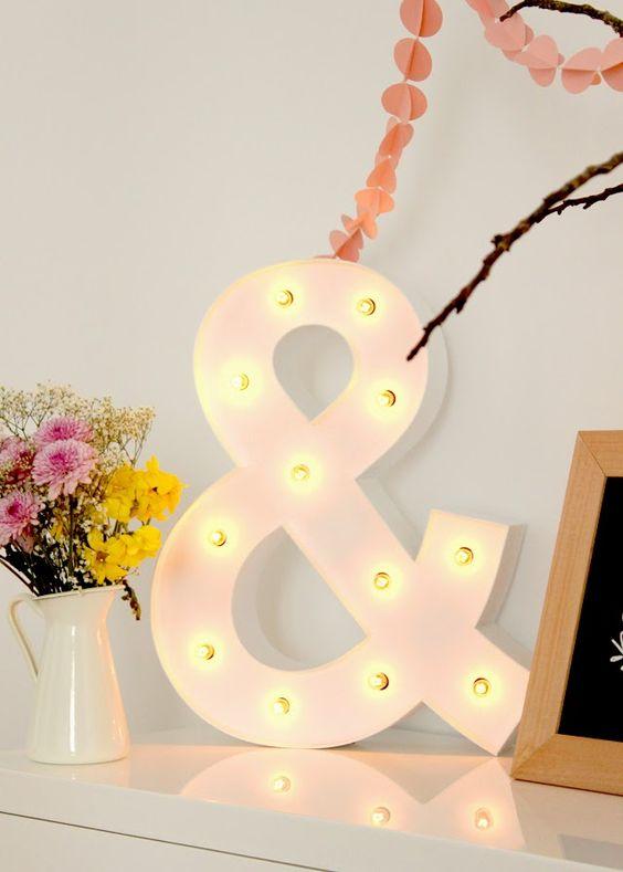 letra luminosa de madera ampersand hermanas bolena: