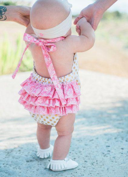 Polka y Paisley con volantes bebé niña mameluco