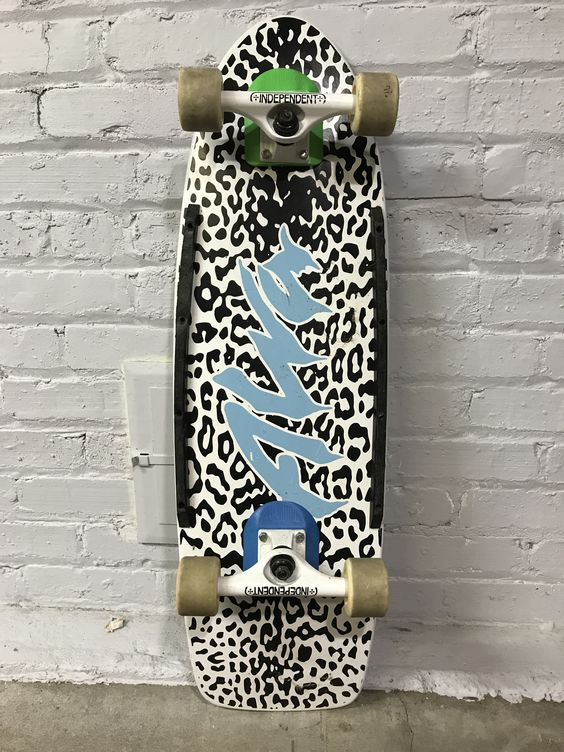 Alva White Leopard Skin 32 X 10 White Independent 169 And Alva Rock Wheels With Cell Block Risers