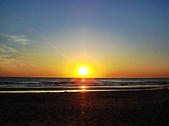 #Abendrot in #Nordholland / #sunset in #Holland    © Yike G, Wikipedia