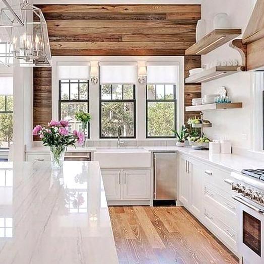 Glamorous Modern Farmhouse Kitchen With A Reclaimed Wood Accent Wall Kitchenideas In 2020 Farmhouse Kitchen Remodel Kitchen Design Small Kitchen Design