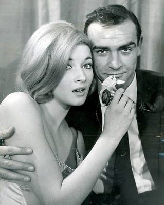 Daniela Bianchi and Sean Connery.