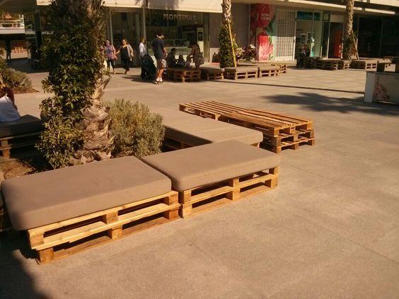 mobiliario urbano con palets muelle 1 del puerto de