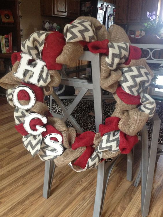 Don't really care for the hogs part, but love the idea of mixing in colors and patterns on the burlap wreath