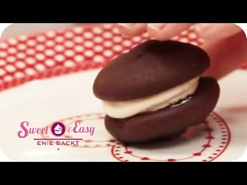 Himbeer-Waffelturm mit Zaubercreme | Sweet & Easy - Enie backt - YouTube