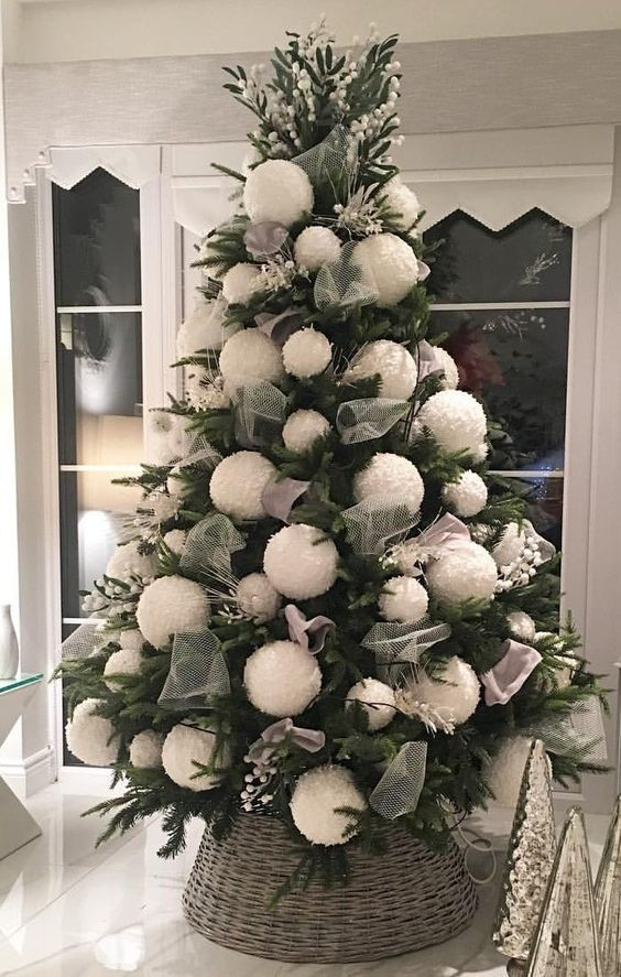 100 Gorgeous Christmas Trees Decorations That Are The Best Of It S Kind Ethinify Champagne Christmas Tree Cool Christmas Trees Turquoise Christmas Tree