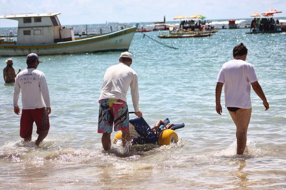 Taís Paranhos: Vai ter luau na Praia sem Barreiras