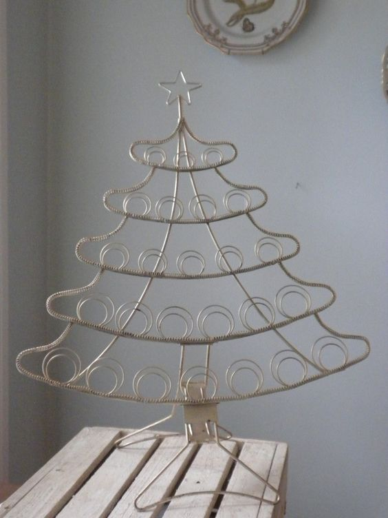 Metal christmas tree, Christmas trees and Card holders on Pinterest