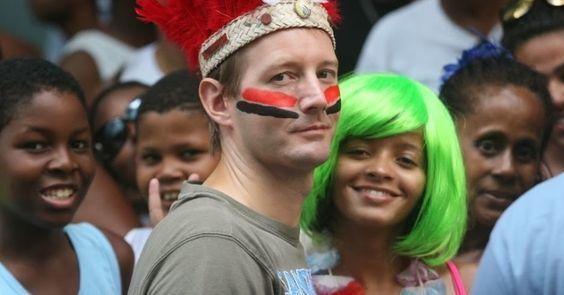 Paulo GARAJAU: A complicada relação da igreja com o carnaval