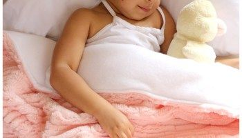 DIY // How to sew a blanket for a toddler