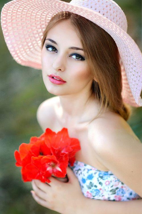 ألبوم صور ملكات جمال الورد والزهور بنات جميلات خلفيات للتصميم 89194aac80110ff0ab224c6d8e464150