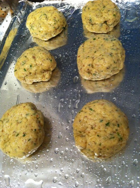 ... Eater: Savoury Herb Biscuits (GF, V | Biscuits, Herbs and Gluten free