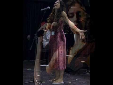 'Be'enaim tsohakot' - Mor Karbasi - YouTube