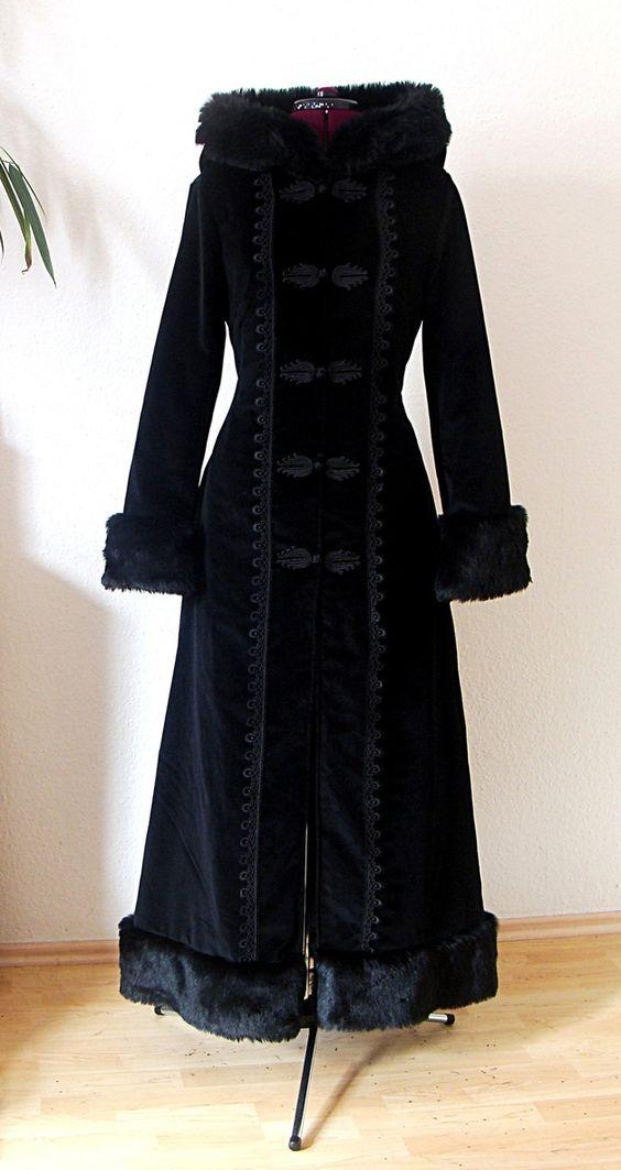 Wintermärchen - Mantel aus schwarzem Samt