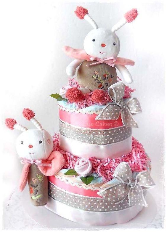 Gateau de couches peluche musicale cinella gateaux de couches babys cakes pinterest canap - Couches pampers naissance ...
