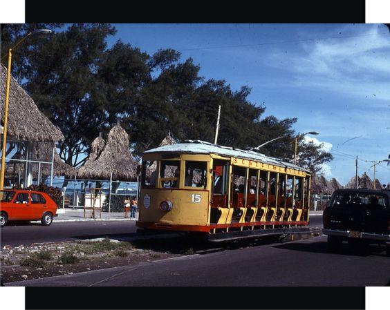Tranvía frente a Villa del Mar el 13 de agosto de 1978. Fuente de foto: smscalzo vía flickr