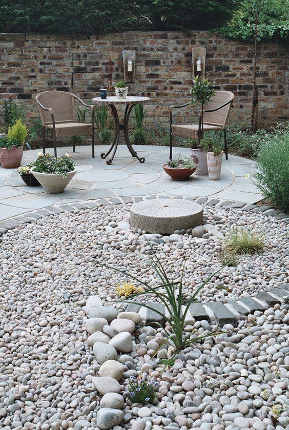 circular patio rocks and patio on