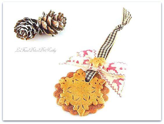 Décoration de sapin/maison biscuit flocon Noël à la montagne : Accessoires de maison par lesfimodelicesdenathy