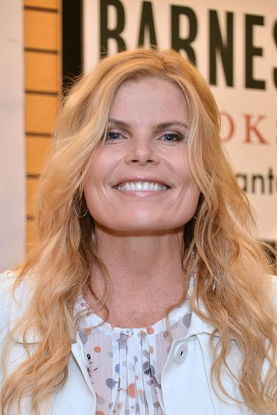Mariel Hemingway Signs Copies Of Her New Book 'Out Came The Sun'