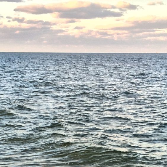R22-RIGGING   Morning on the Atlantic Ocean off Ft Lauderdale