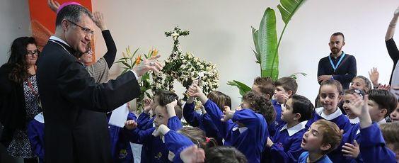 Offerte di lavoro Palermo  Il prelato: La sfida educativa è la più importante da vincere. Una scuola interreligiosa è meravigliosa  #annuncio #pagato #jobs #Italia #Sicilia Lorefice prima uscita nelle scuole di Palermo: il vescovo incontra gli studenti di Danisinni