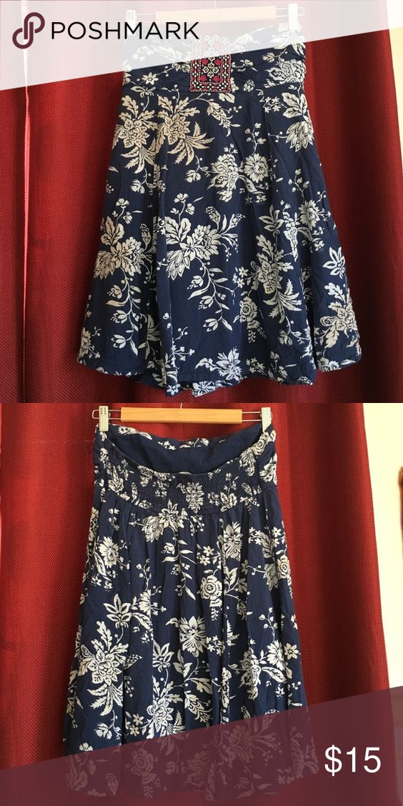 Abercombrie & Fitch strapples casual dress Good used condition. Size M Abercrombie & Fitch Dresses Strapless