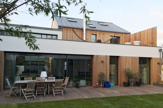 Atelier 300 / Sophie Eberle / Bardage claire voie en cèdre, isolation complète intérieure extérieure